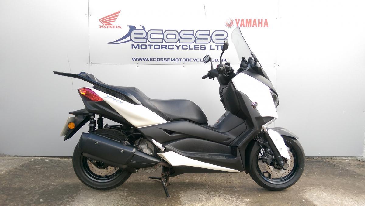 YAMAHA X - MAX300