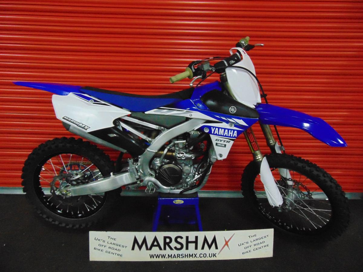 YZF 250 style=