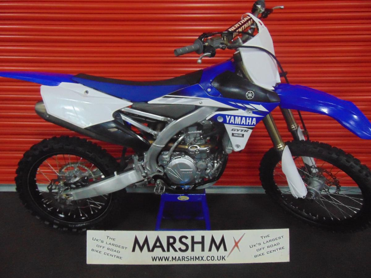 YZ 450 F  style=