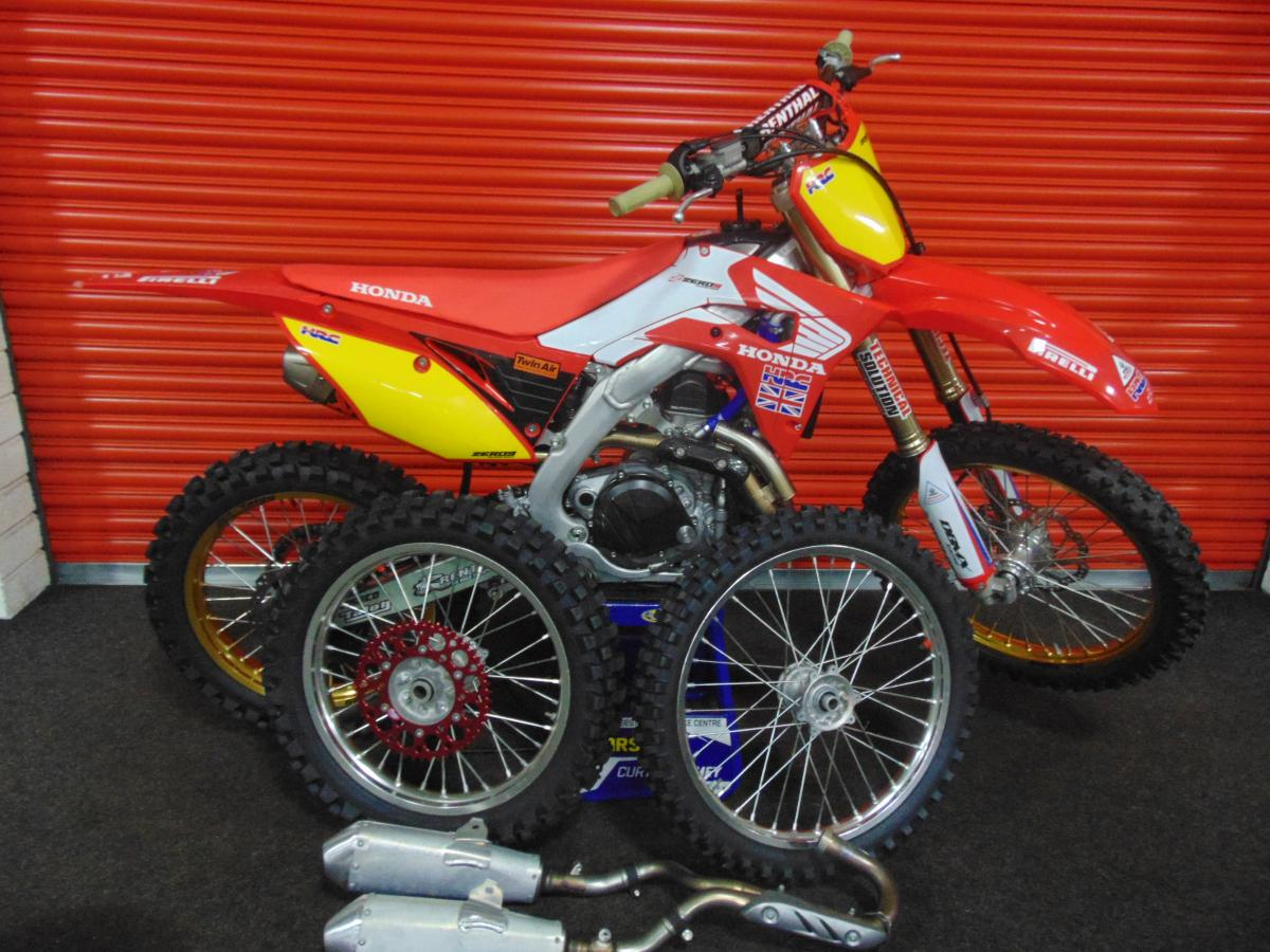CRF 450 DT style=