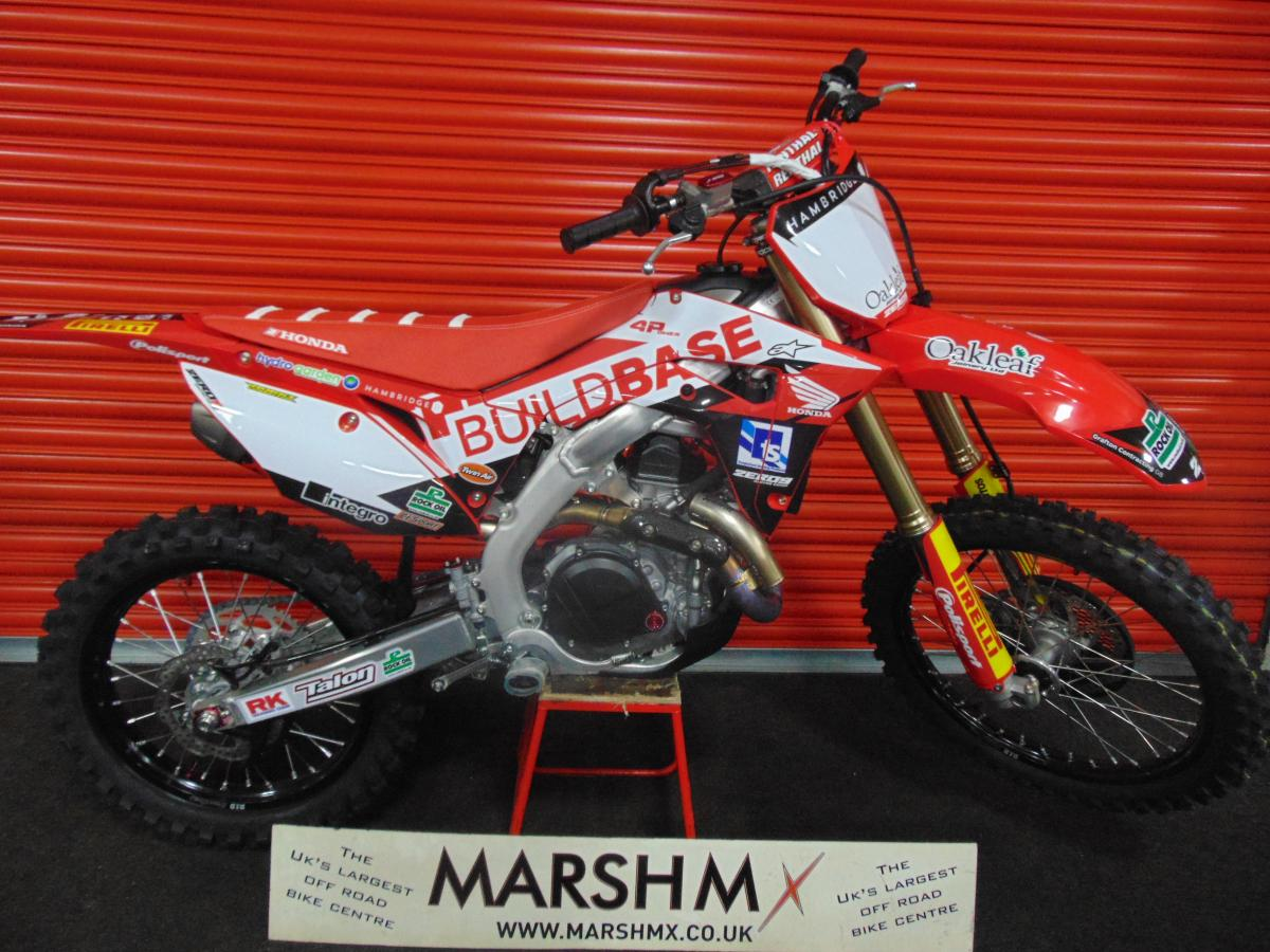 CRF 450 R style=