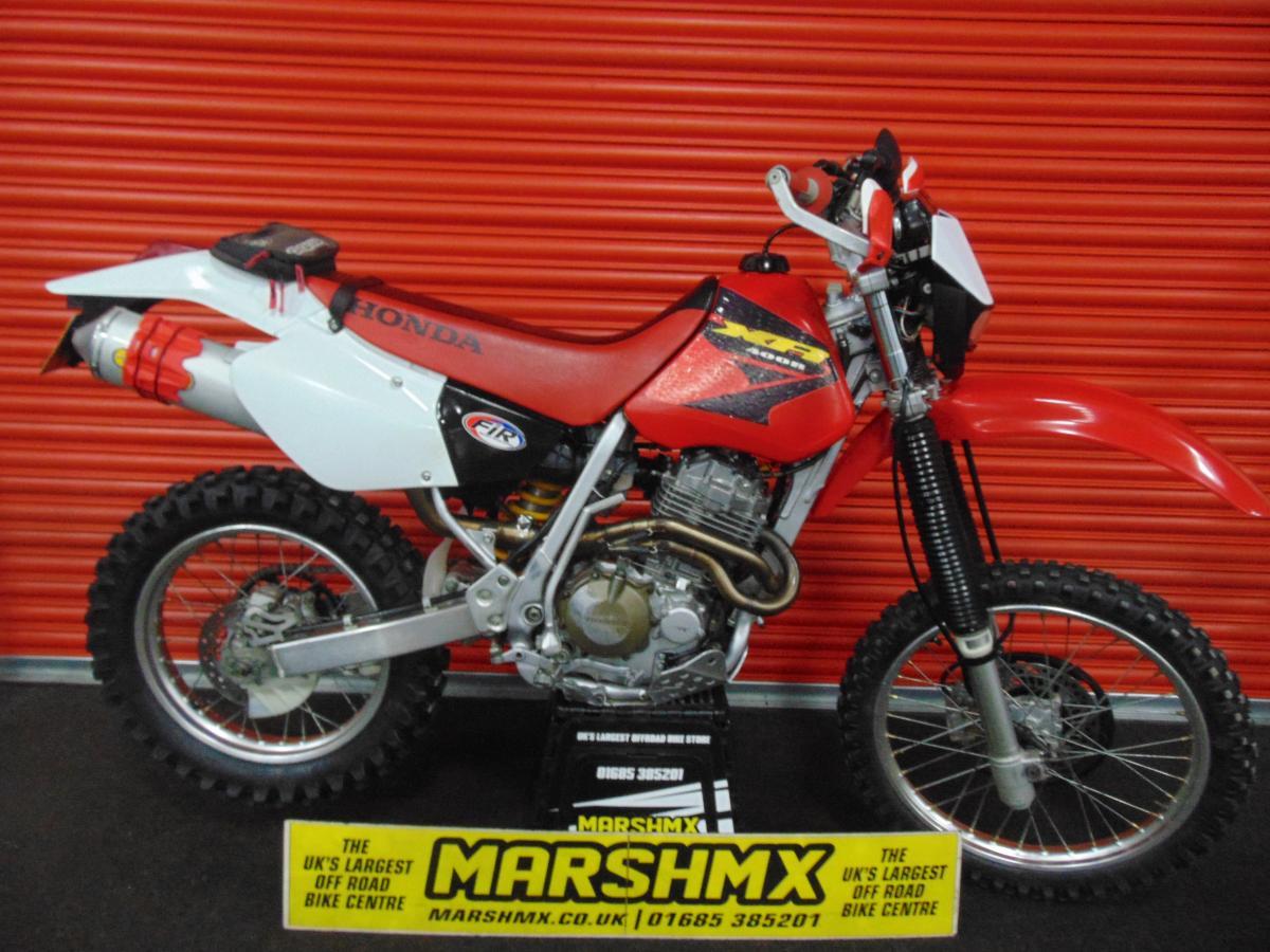 HONDA XR400  2004 style=